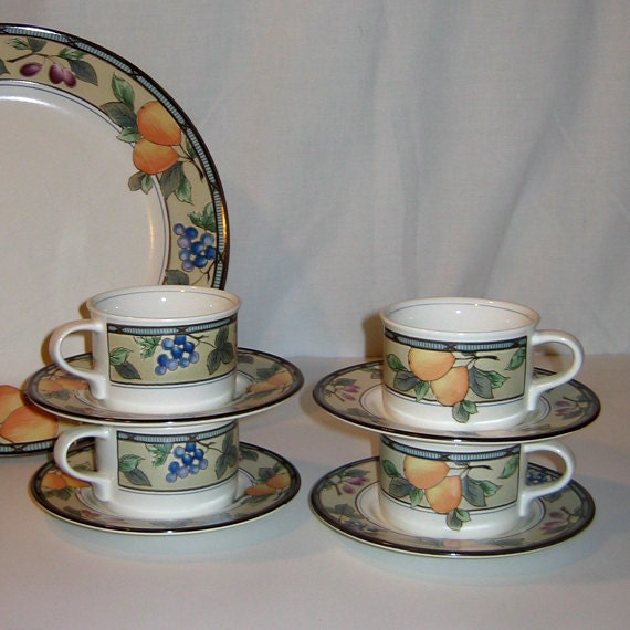 Mikasa Intaglio Garden Harvest Cups And Saucers Set Of 4