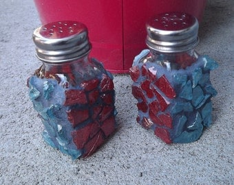 Mosaic Salt and Pepper Shaker Set, Red and Blue Glass Shakers, Kitchen Decor, Tumbled Glass Salt and Pepper Shaker Set, Table Decor, Set