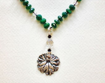 Emerald-Green-Adventurine-Fine-Silver-Leaf-Hand-Knotted-Necklace