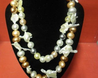 New necklace with pearls