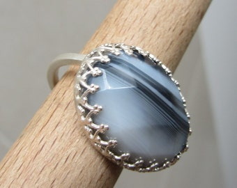 Silver Agate Botswana Ring - Black and White Crown bezel ring - Natural Stone Ring -  Size 7