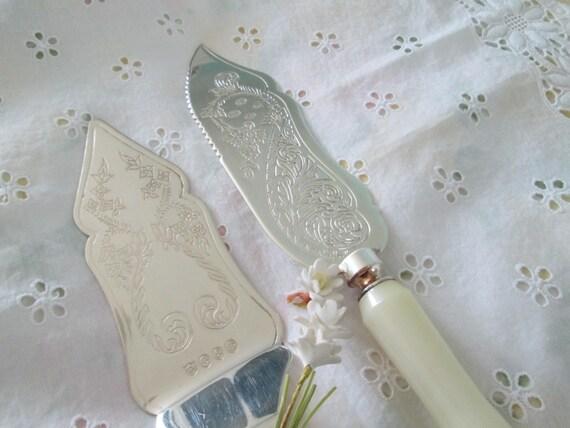 vintage wedding cake knife server set ornate by herminascottage. Black Bedroom Furniture Sets. Home Design Ideas