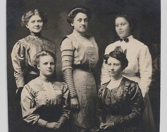 Old Photo Group of Women Early 1900s Clothes Photograph Snapshot vintage