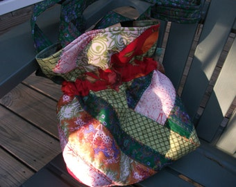 Medium size, Gypsy- style purse made of Recycled Silk, quilted with a decorative stitching