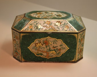 Vintage Tin Box Made By The Metal Box Co. Ltd Carlisle
