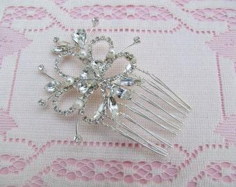 Crystal Hair Comb, Small Rhinestone Hair Comb,Flower Hair Comb, Vintage Style Crystal Hair Comb,Bridal Hair Accessories,Pearl Bridal Hair