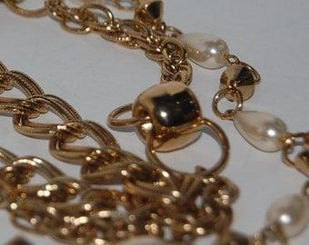 Chain belt, layered chain belt, retro belt