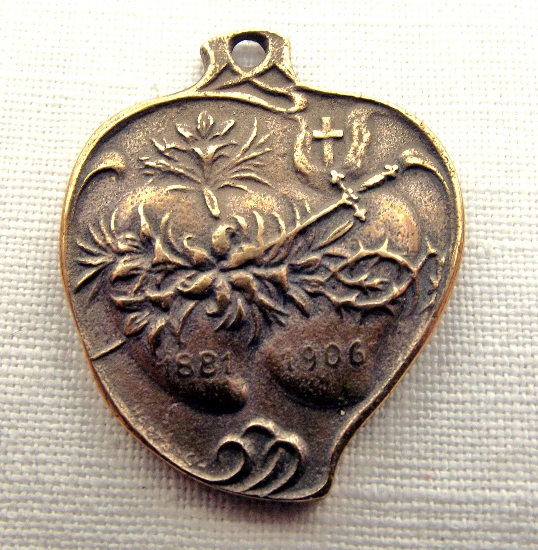 Sacred heart medal | Etsy