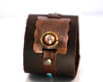 Ecocycled Leather & Etched Copper Cuff
