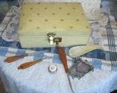 Sweet Vintage Jewelry Box with Key / S /  :)