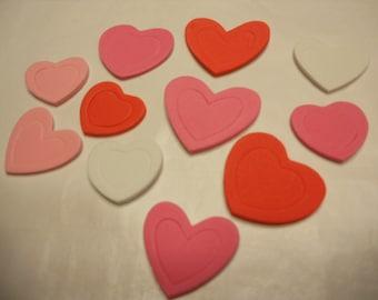 11 foam stick on hearts, 24 - 34 mm