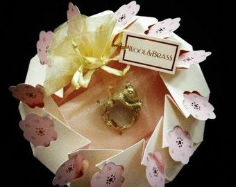 Wool&Brass Gift- Wrap