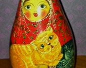 Vintage Russian Folk Art Musical Nevalyashka-Matryoshka Roly Poly Doll Cat