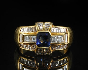 Stunning Art Deco royal blue sapphire and 2.65 Ct diamond rare ring