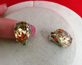 Vintage Light Brown Pear Shaped Rhinestone Earrings