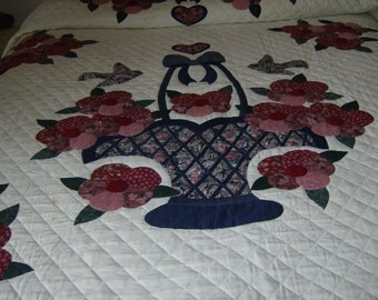 Hand Applicade Amish Flower Basket Vintage Quilt