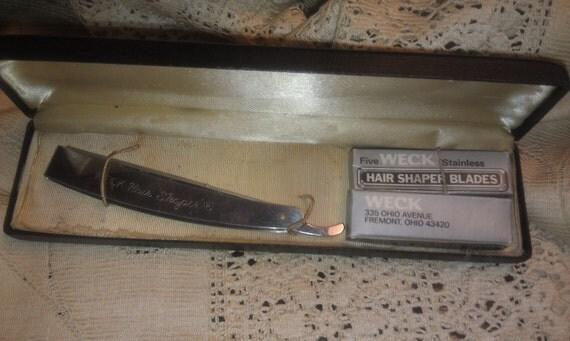 Vintage Weck Hair Shaper straight razor. 1930 vintage straight razor and replacement blades.