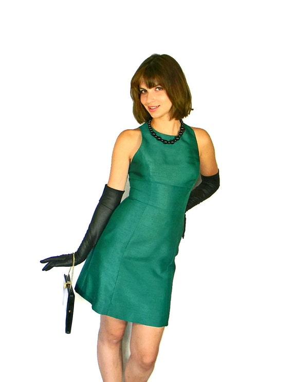 Emerald Party Dress. 60s Cocktail Dress.  Small  Dress.  Jade Sharkskin Dress. Mad Men Fashion. New Years Eve. Christmas dress