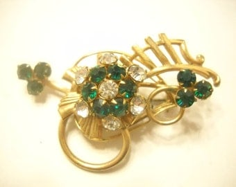 Vintage EMERALD GREEN RHINESTONE Brooch---Gorgeous---(3170)
