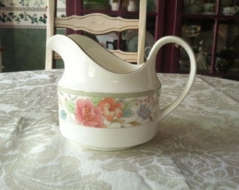 Royal Doulton, Claudia, Gravy Boat, Pitcher