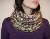 Knit cowl chunky white wool blend