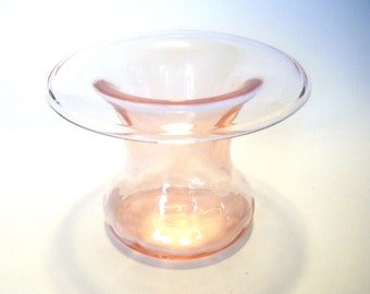 """Rare Pink Depression Glass Flower Vase Rolled Edge """"Cupid"""" Pattern Paden City Glass Company 1930s"""