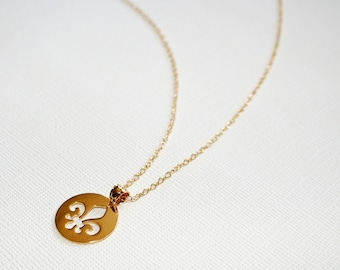 Fleur De Lis Necklace in Sterling Silver (18k Yellow Gold Plating)