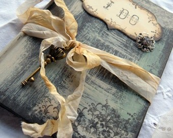 Unique alternative Wedding guest book handmade and personalized in shabby chic vintage style