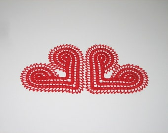 Crochet red doily set of 2. Crochet heart doily. Valentine heart doily gift. Valentine decoration. Crochet red kiss doily. Red home decor