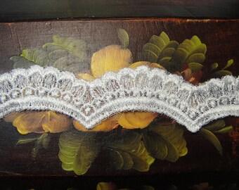 Alencon lace trim  scallop (45-246)