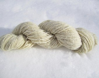 Four Ounces Natural Undyed Single Ply Worsted Weight Polypay Yarn about 200 yards