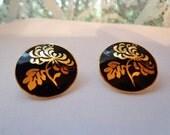Vintage black with gold flower pierced earrings