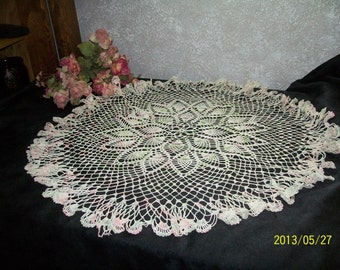 """Large 25"""" Round Table Cloth Pink,Green & White hand crocheted Doily Pineapple pattern"""