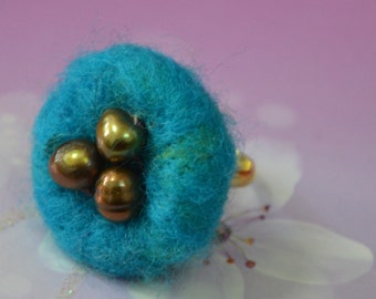 Needle Felted Nest with Fresh Water Pearl Egg Ring (Blue)