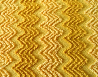 """Gold with Butterscotch Yellow and Golden Caramel Vintage Cab   in Crafts Needletuft Zigzag Chenille ... 22 x 23"""""""