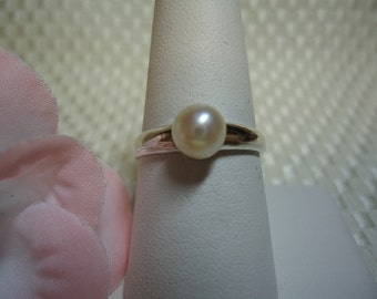 Ivory Pearl Ring in Sterling Silver  #708