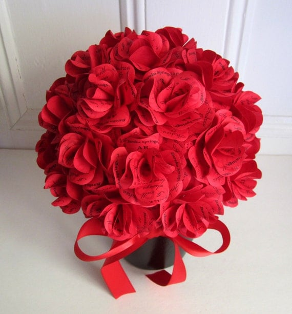 Paper Rose Centerpiece : Personalized red paper rose centerpiece for weddings