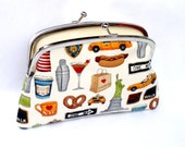 New York icon coin purse with 2 compartment Metal Frame wallet in cream - NYC famous landmarks