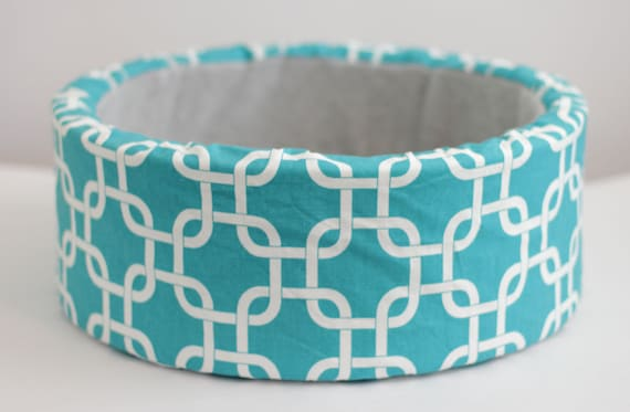 "Modern Cat Bed, 12"" Self Warming Cat Bed in Turquoise/White Print"