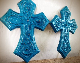 BOLD set of two ornate cross wall hangings // ocean teal blue green // shabby cottage chic // religious // hand painted cast iron