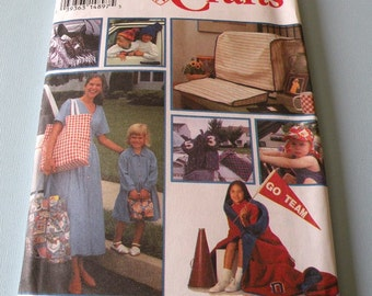 1994 Simplicity Crafts 8792 Uncut and Complete