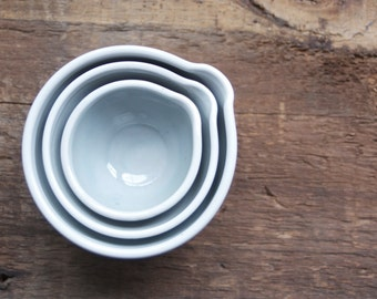 pinch bowls in blue and white