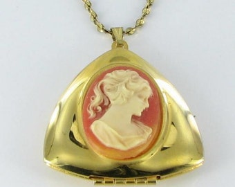Vintage Pendant Necklace Locket with Resin Cameo - Chain Marked DM