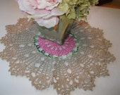 Vintage round doily in pink and ecru