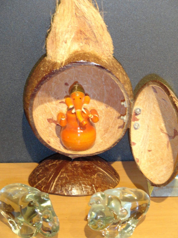 Wood Craft Ganesha Wood Carving Coconut Shell Vintage Wood