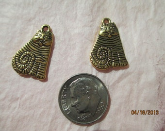2 Gold tone Fat Cats for Jewelry Making