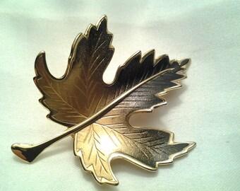 vintage costume jewelry brooch pin enamel large leaf