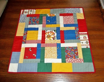 SALE - Bee Cheerful Mini Quilt - wall hung quilt or table topper