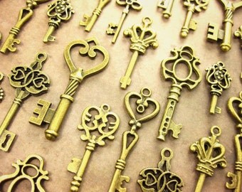 100 Vintage Style Keys Collection Antique Brass Wedding Key scrapbooking Wonderland party