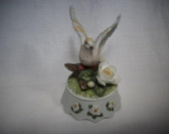 Seymour Mann Dove Bird Figurine